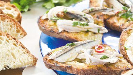 Bruschette con alici marinate