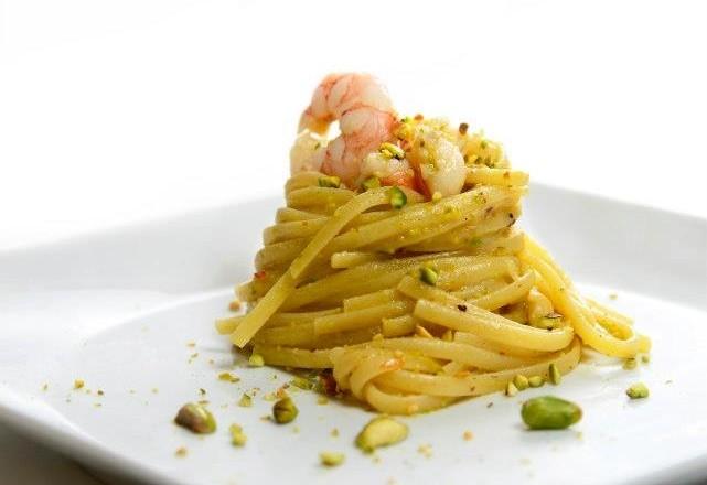 Linguine gamberetti e pesto di pistacchi